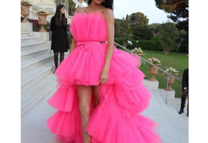Модные платья на выпускной - идеи и фото